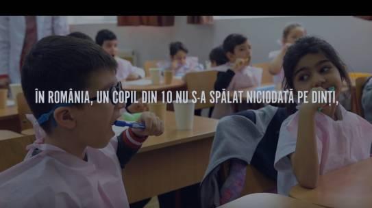 680 de copii din Dolj și din București au învățat de la medicii pedodonți voluntari cum se efectuează un periaj corect