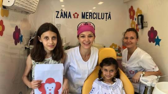 """Obiectiv, Ialomița: 120 de copii din Roșiori, Coșereni și Sinești au primit tratament stomatologic de la cabinetul mobil """"Zâna Merciluță"""""""