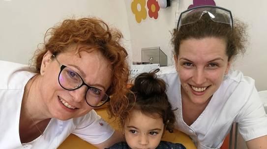 """Vremea Nouă, Vaslui: """"Zâna Merciluță"""" a revenit la Vaslui: a oferit tratamente stomatologice pentru peste o sută de copii"""""""